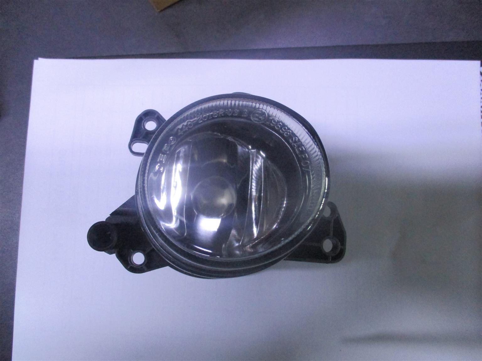 MERCEDES BENZ W212 W204 RIGHT HAND FOG LIGHT