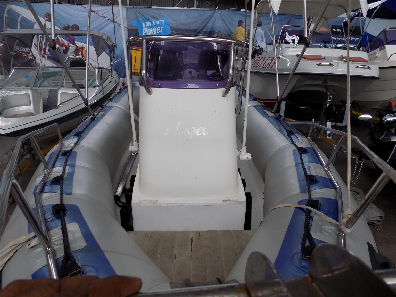 gemini 5,7 metre mono hull on trailer 2 x 60 hp yamaha trims