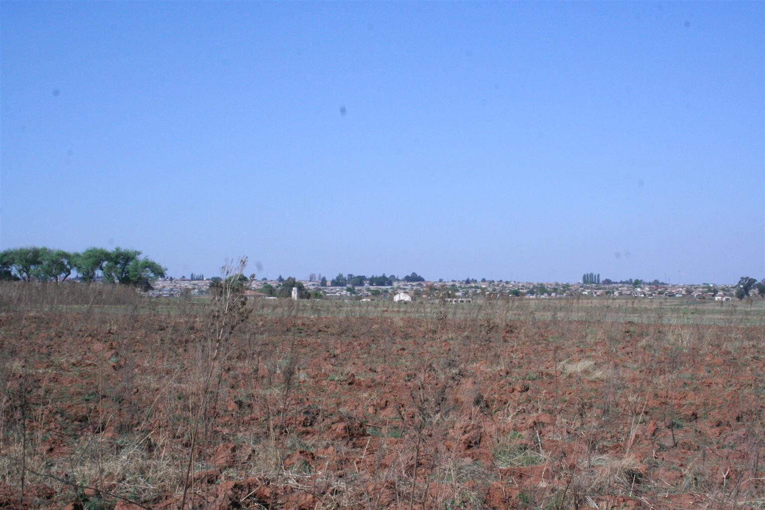 80 hectares vacant land