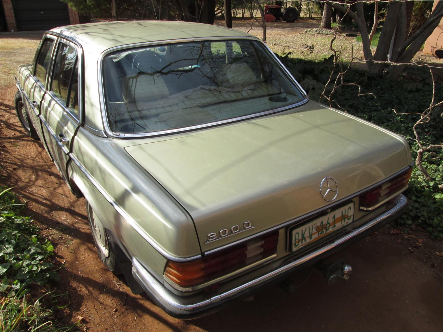 1981 Mercedes Benz Diesel 300D W123 Manual, engine overhauled, starts immediately