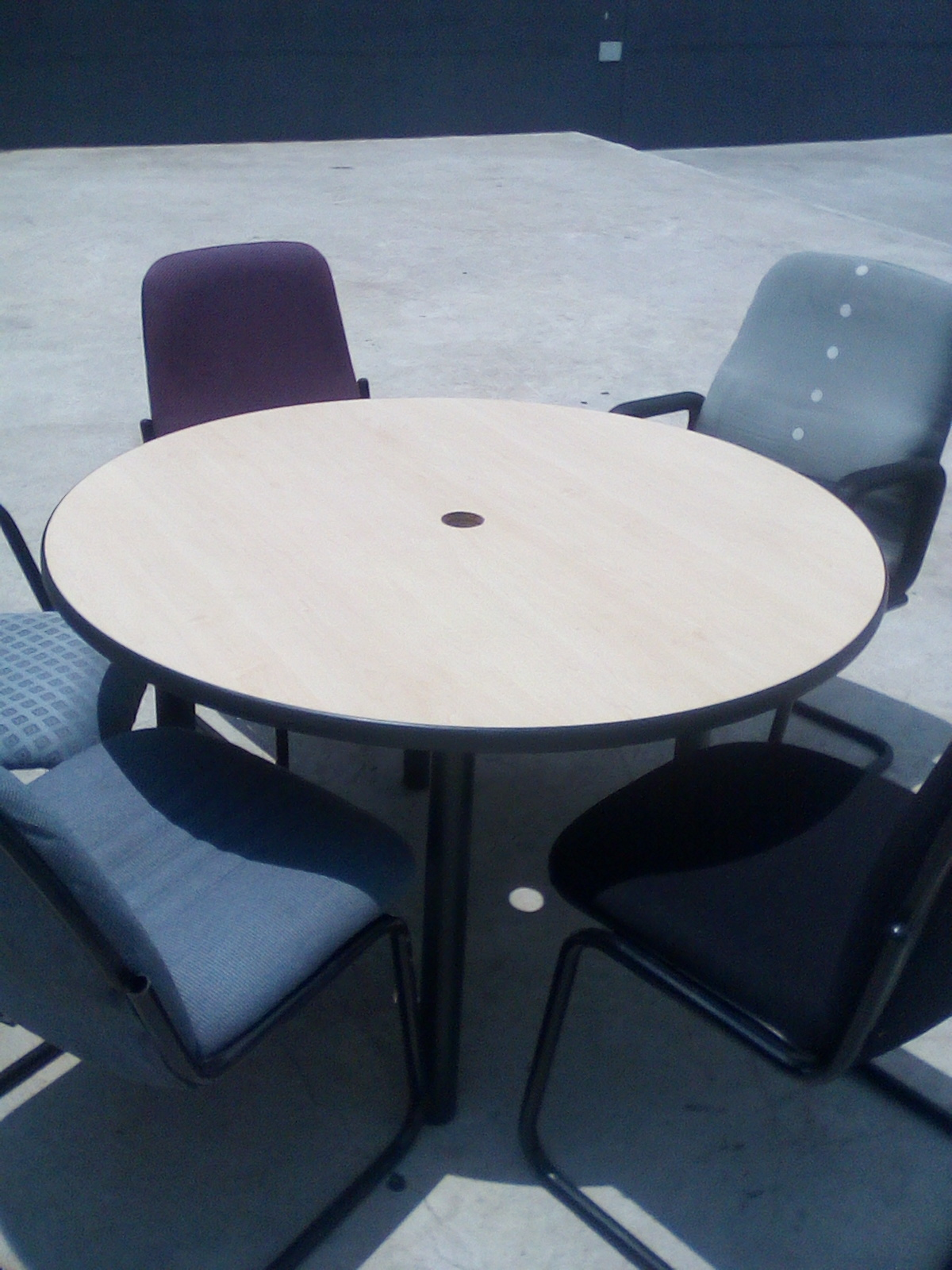 Boardroom table with 5 chairs