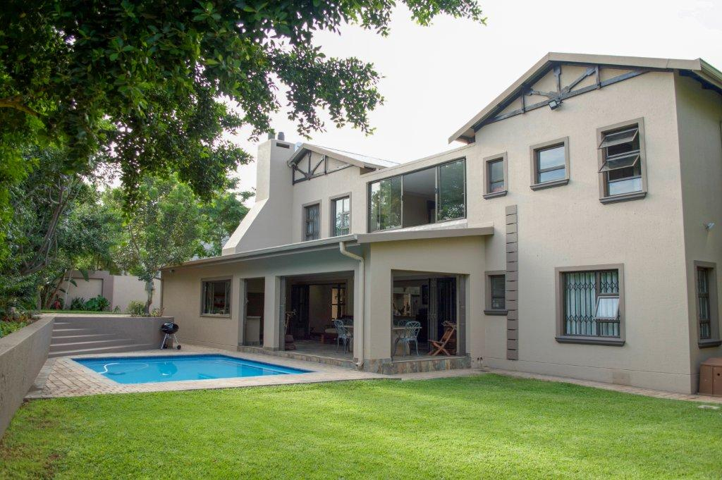 Stunning Executive Home in Magalieskruin, Pretoria