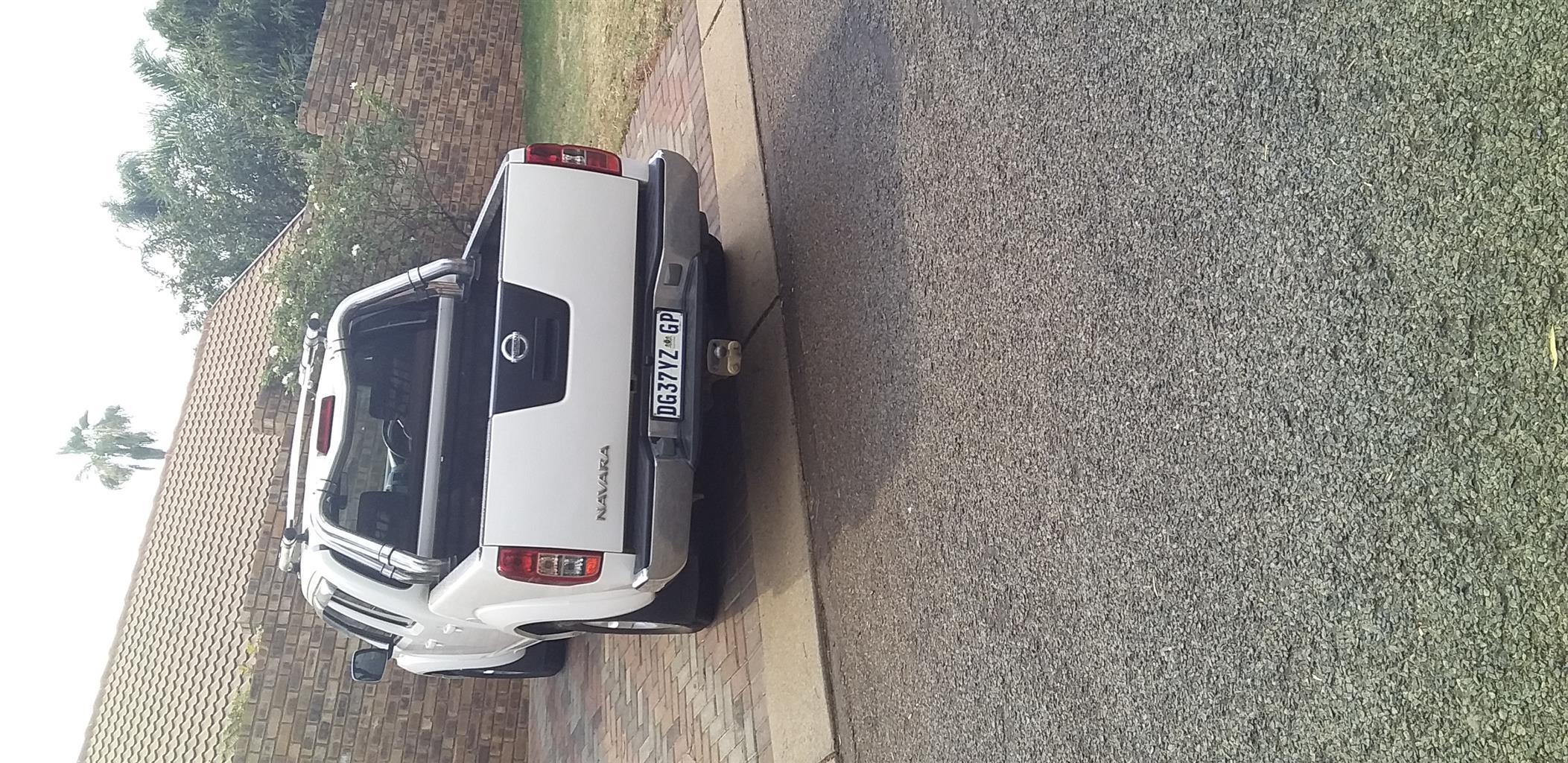 2014 Nissan Navara 2.5dCi double cab 4x4 LE