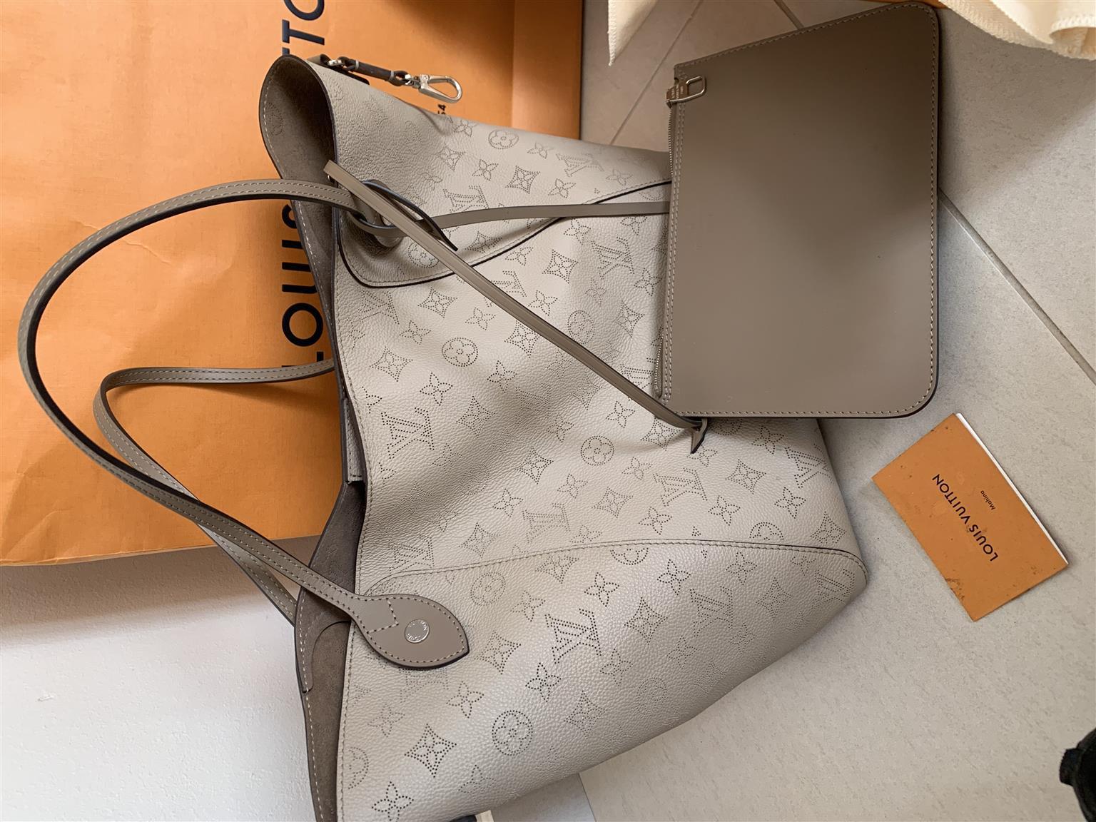 Authentic Louis Vuitton Mahina Hina MM