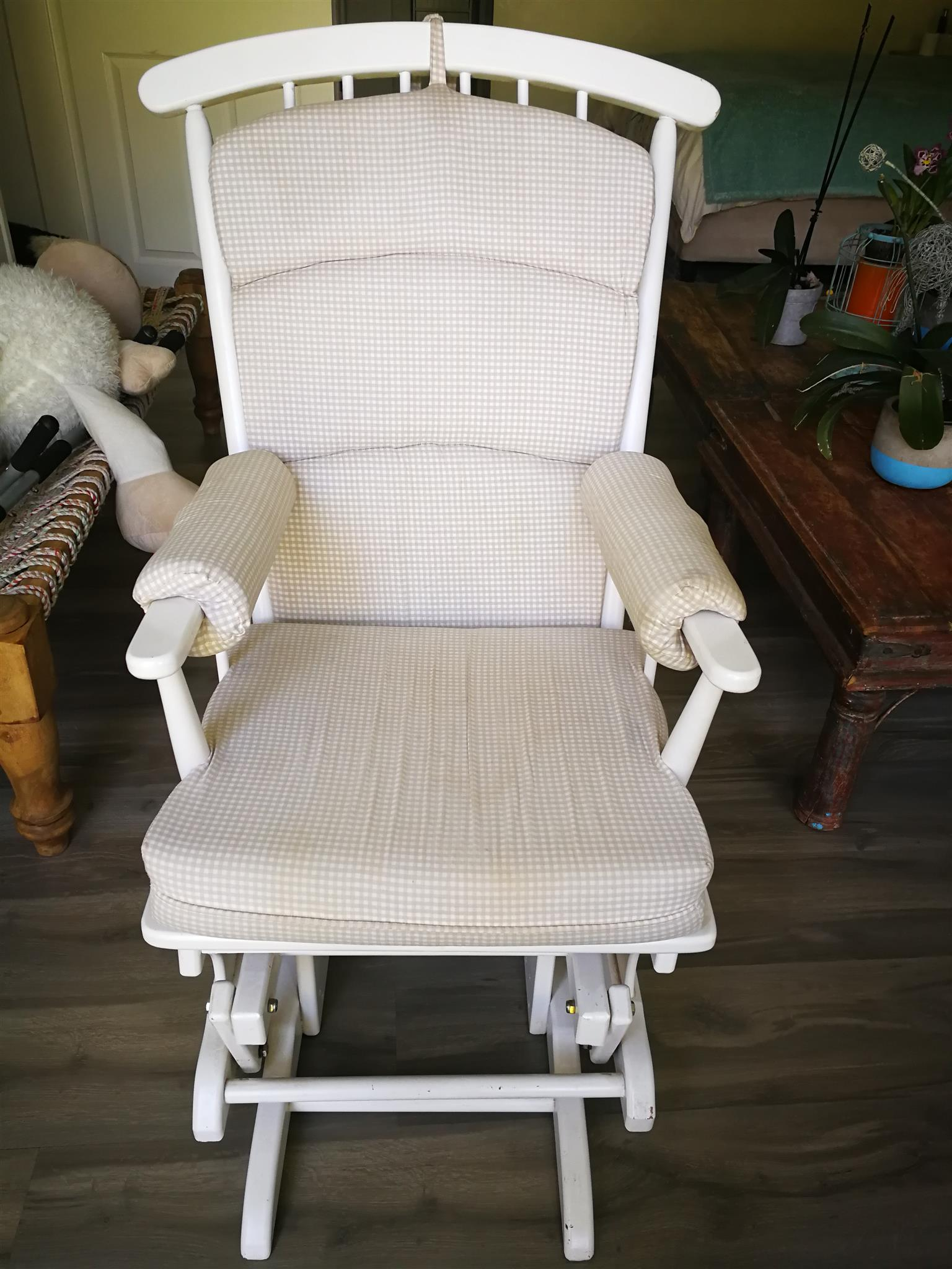 & Rocking chair for sale | Junk Mail