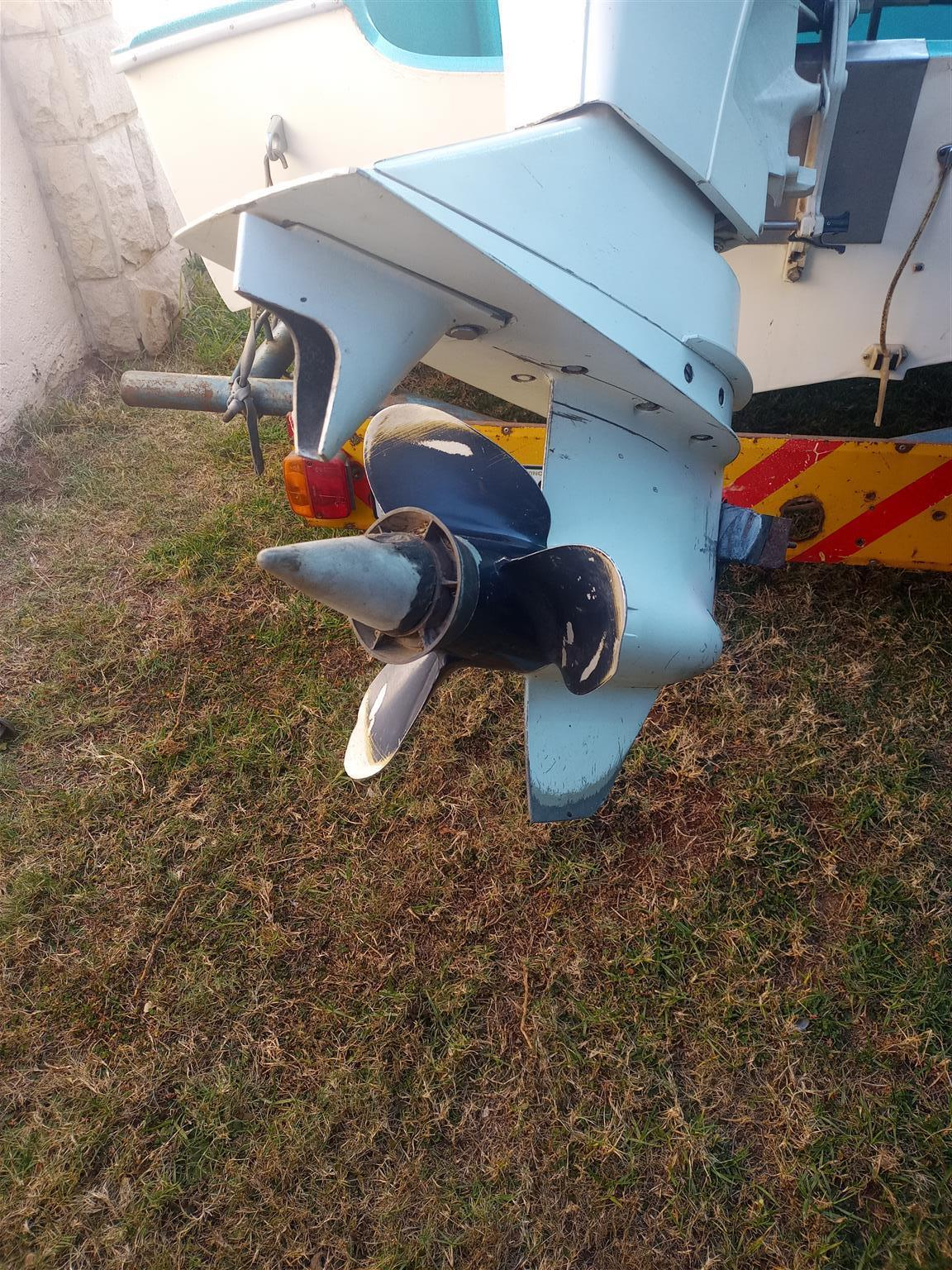 Speed Boat for sale with accessories