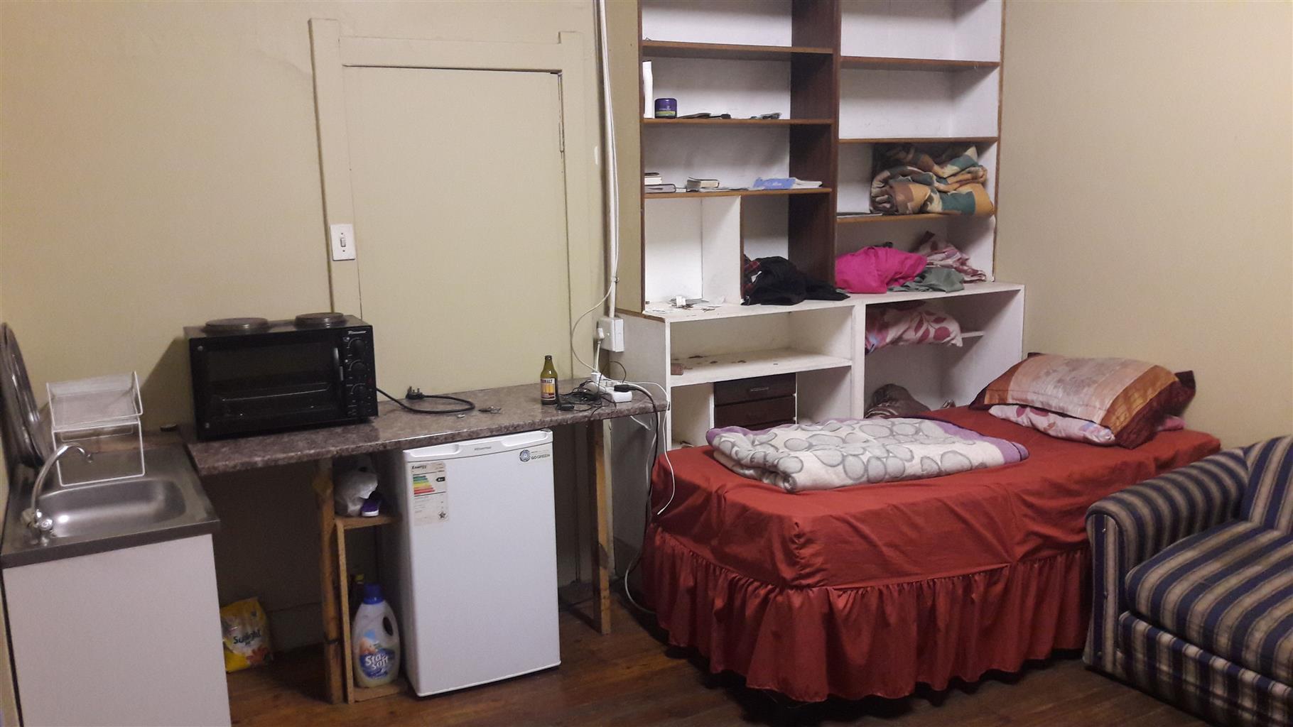 Single Room to Rent in Delville Germiston.