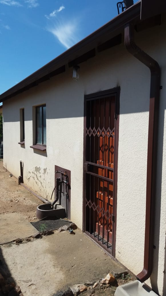 A two bedroom house available for rental in Olivenhoutbosch ext 36,from 1st December 2019. R4300. Deposit negotiable. Contact Lorraine at 073 800 2525.