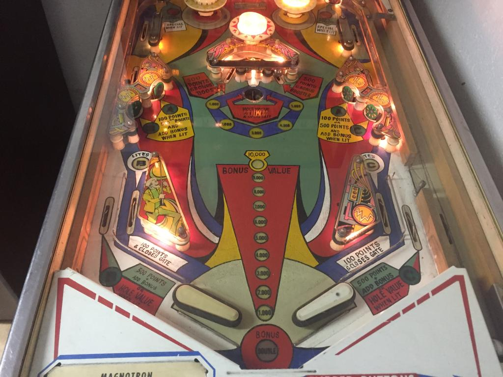 Magnotron 4 player pinball machine by Gottlieb, for sale in excellent condition