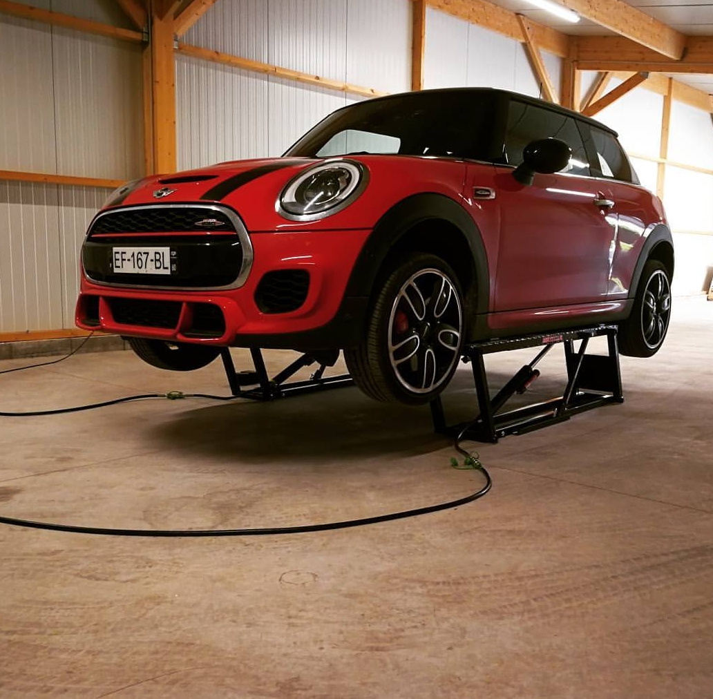 Quick Jack quickjack BL-7000SLX Portable Car Lifting System Supports upto 3.1 tons, garage lift.
