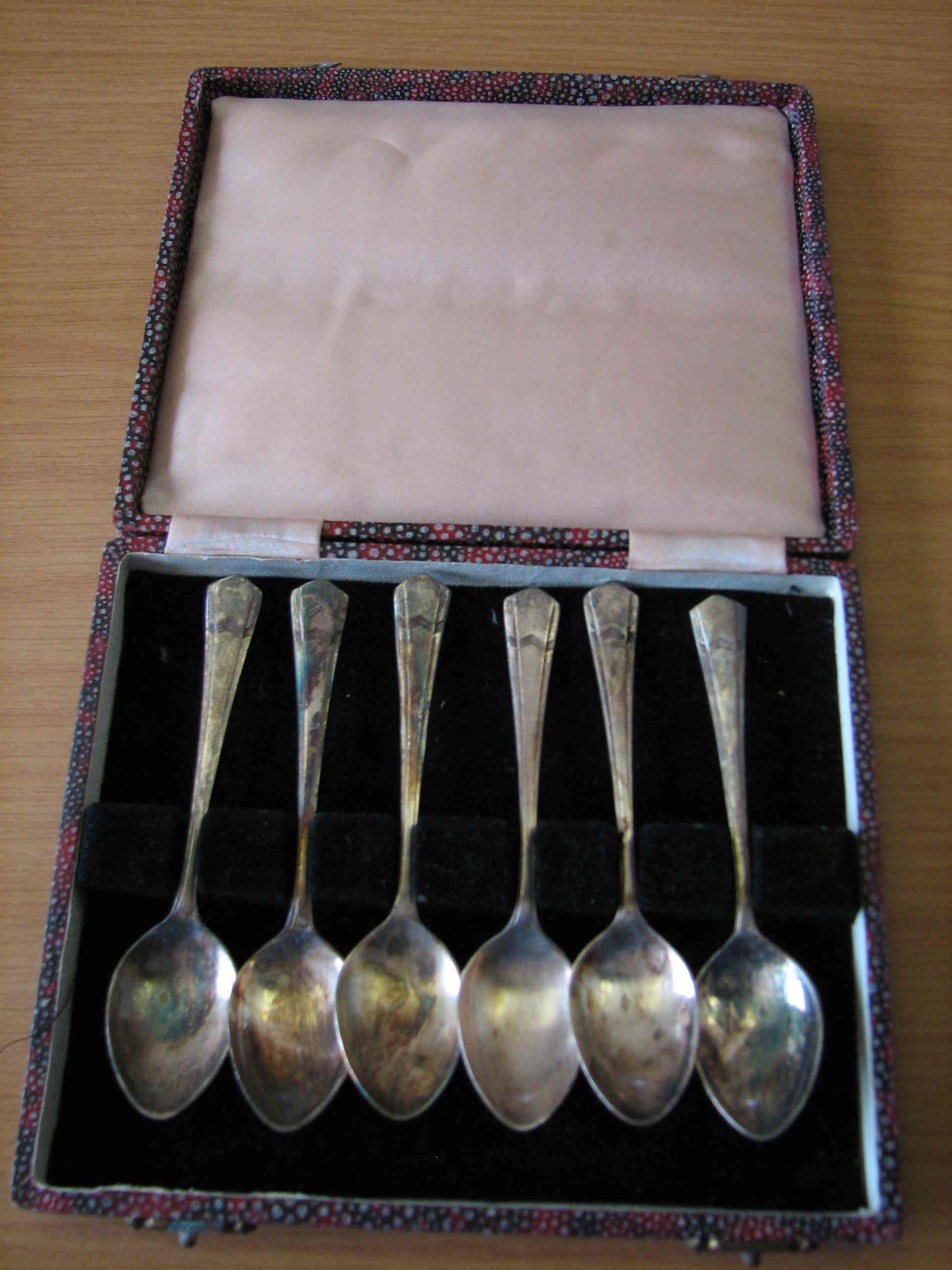 6 Antique teaspoons in original box