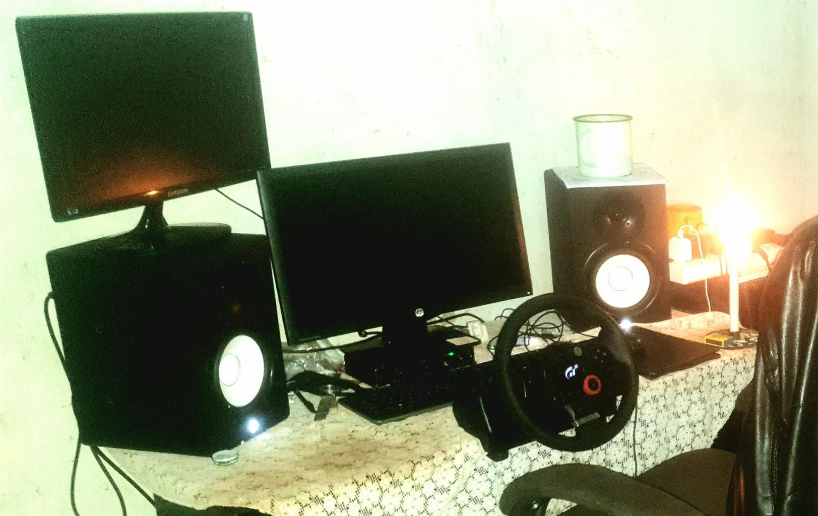 Yamaha HS7i Professional studio monitors for sale.