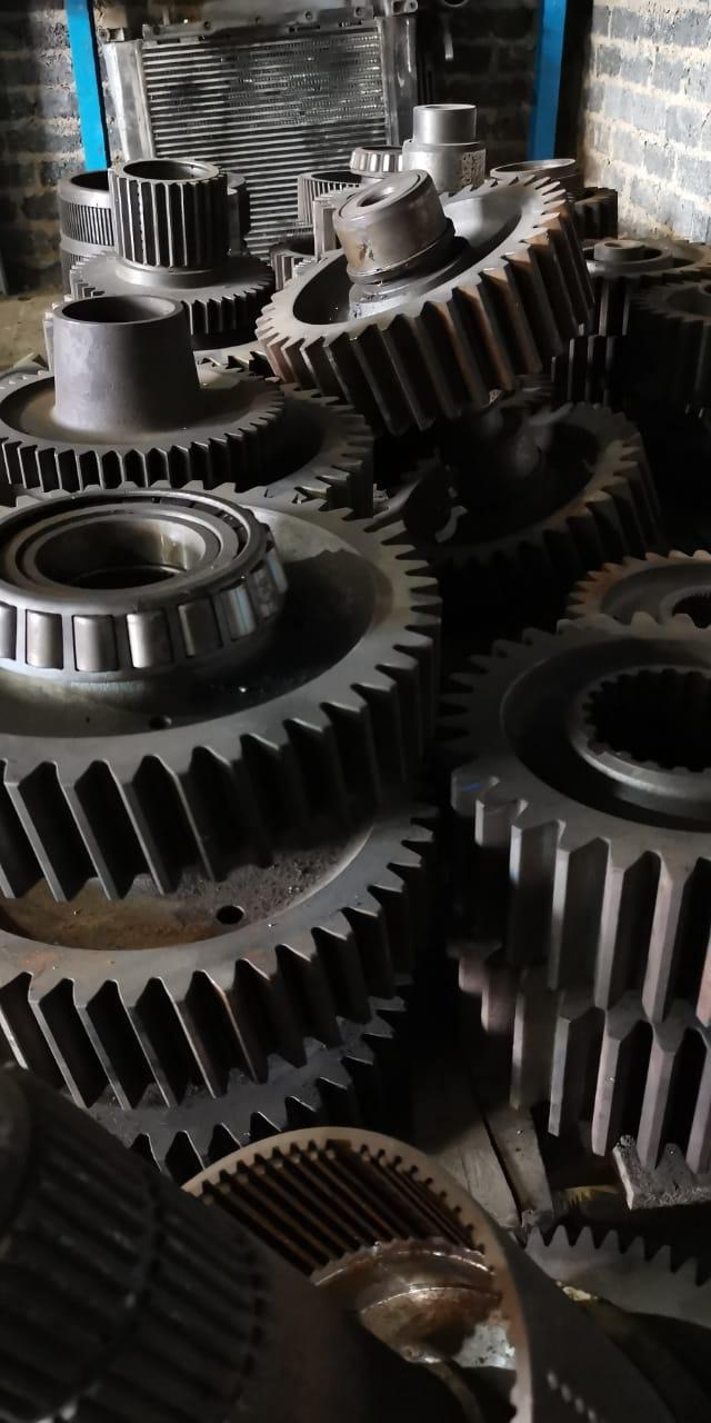 Komatsu gears