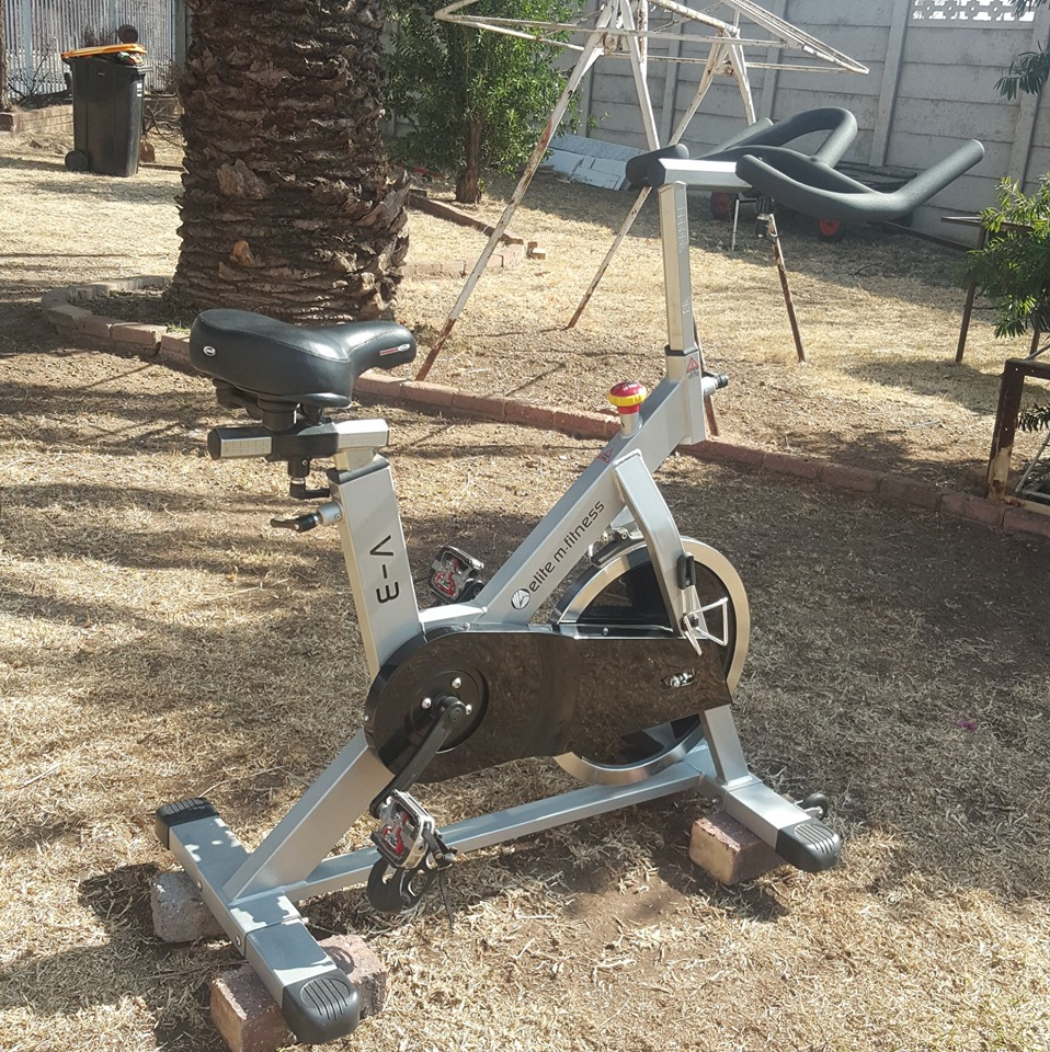 Commercial quality spin exercise bike