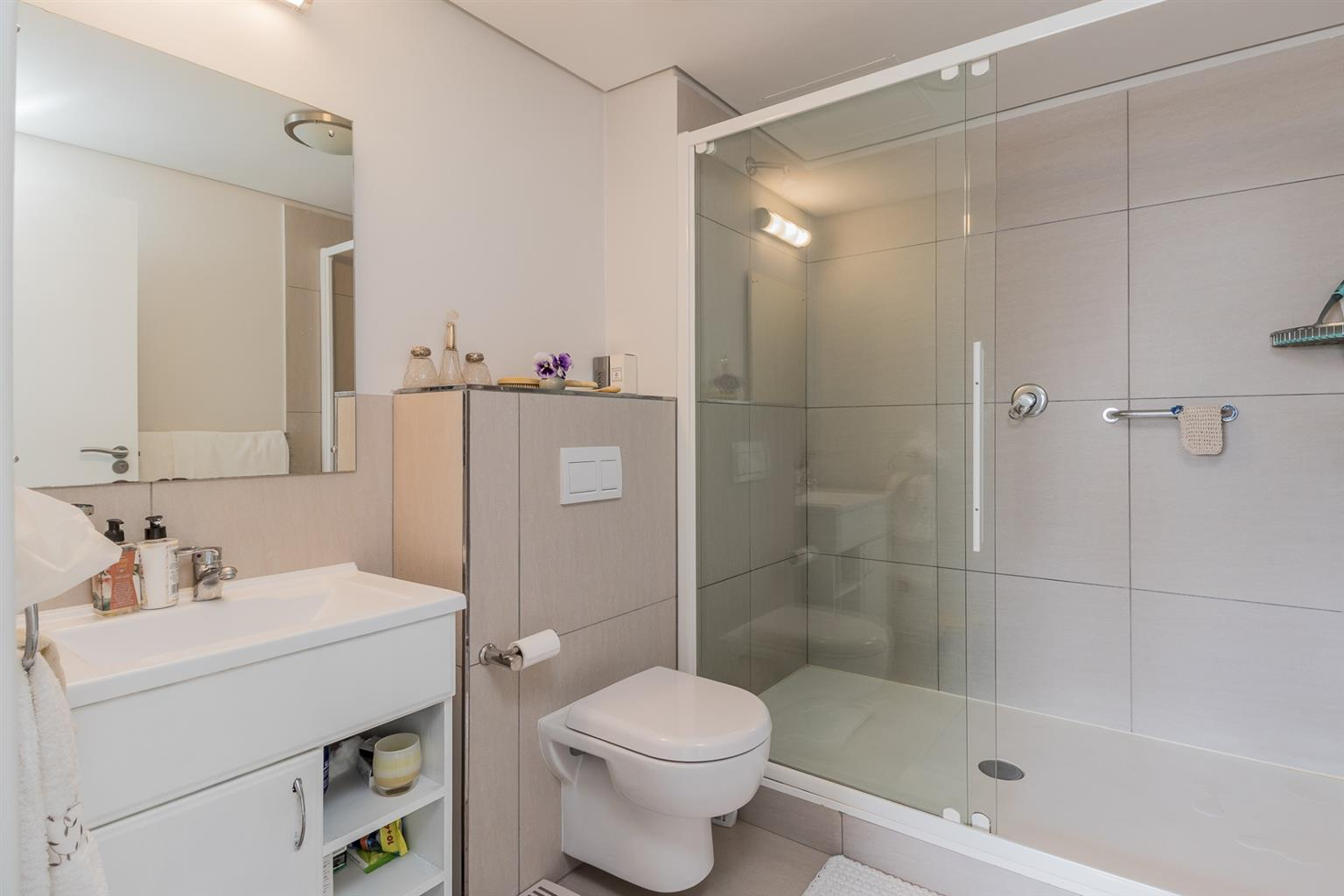 Apartment For Sale in Kenilworth Upper