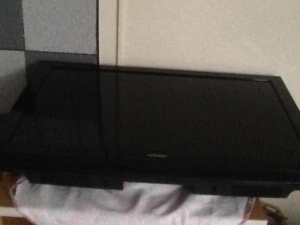 By Design TV  58' and LG TV 32'For Sale