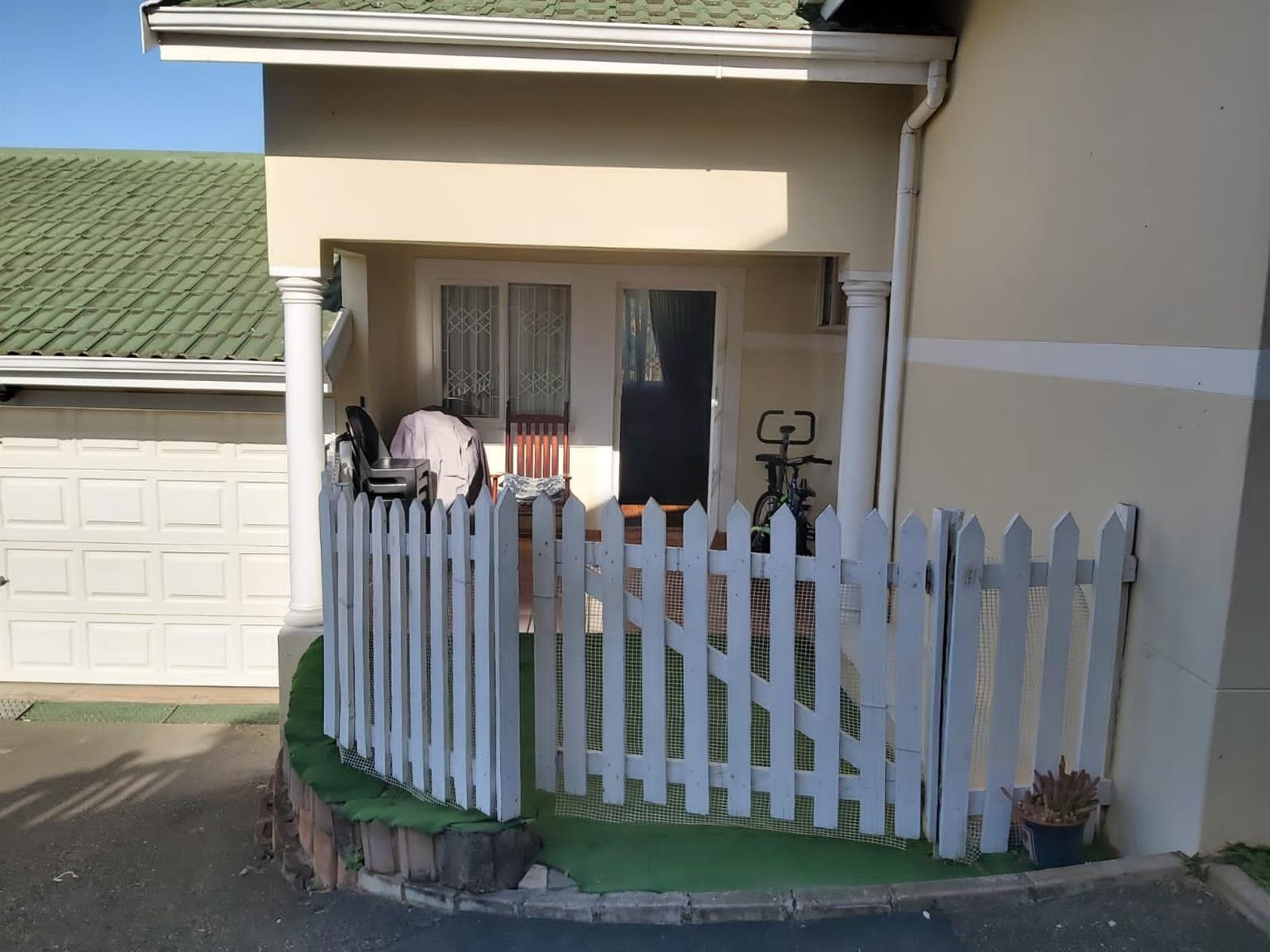 Townhouse For Sale in Mount Edgecombe