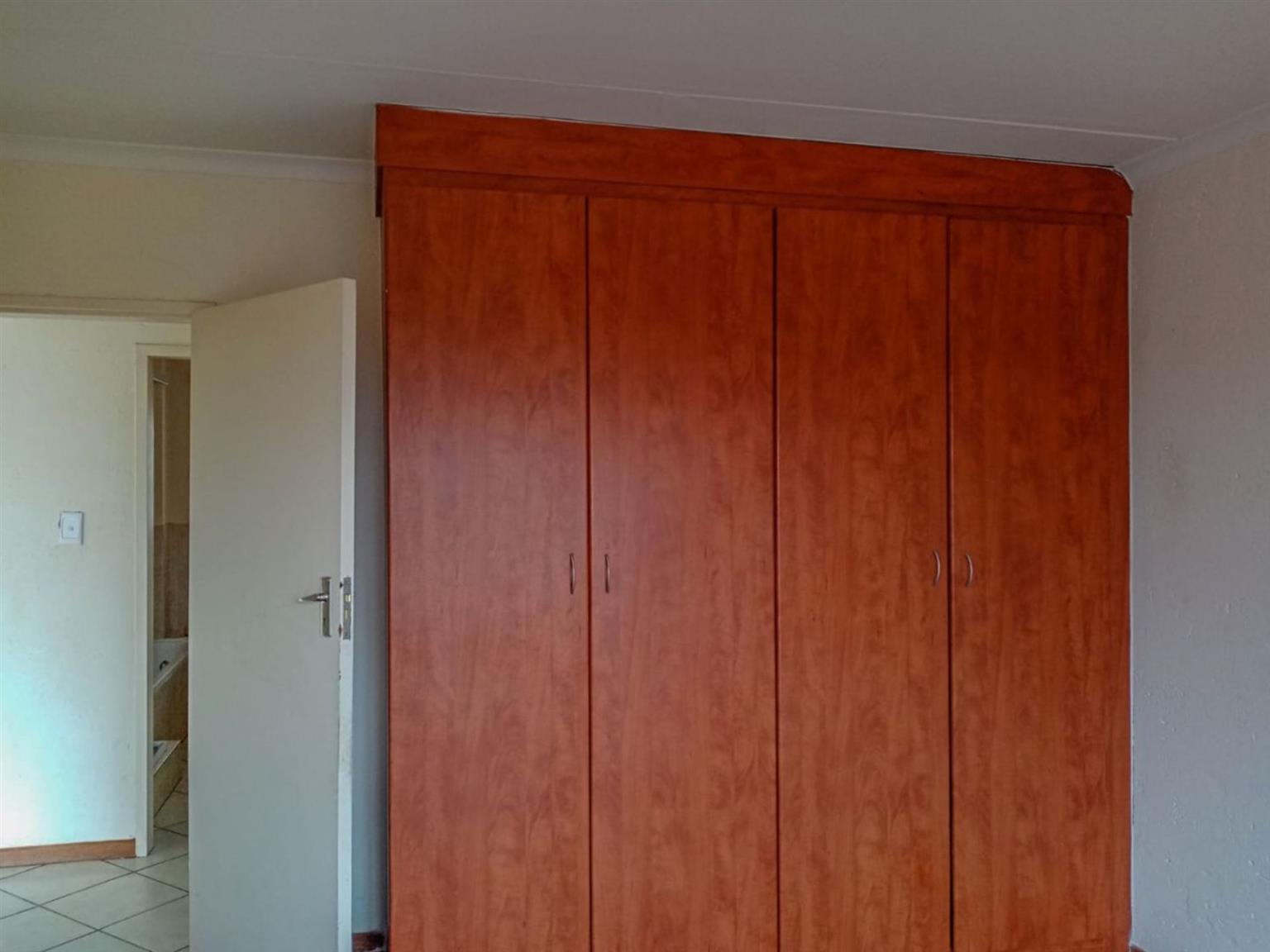Apartment For Sale in HEUWELOORD