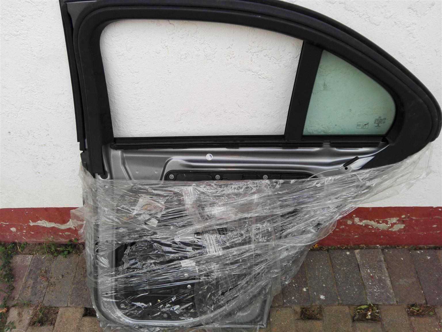 Mercedes Benz w205 complete right back door, brand new
