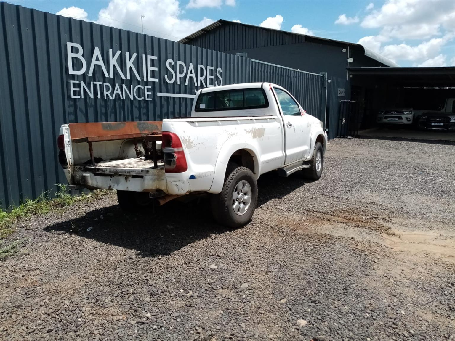 2013 Toyota Hilux 2.7 Petrol Stripping For Spares