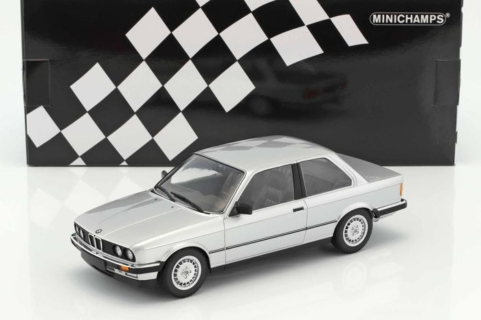 Diecast BMW 323i year 1982 Silver 1:18 Minichamps - NEW IN BOX - Collectors Item - LIMITED EDITION