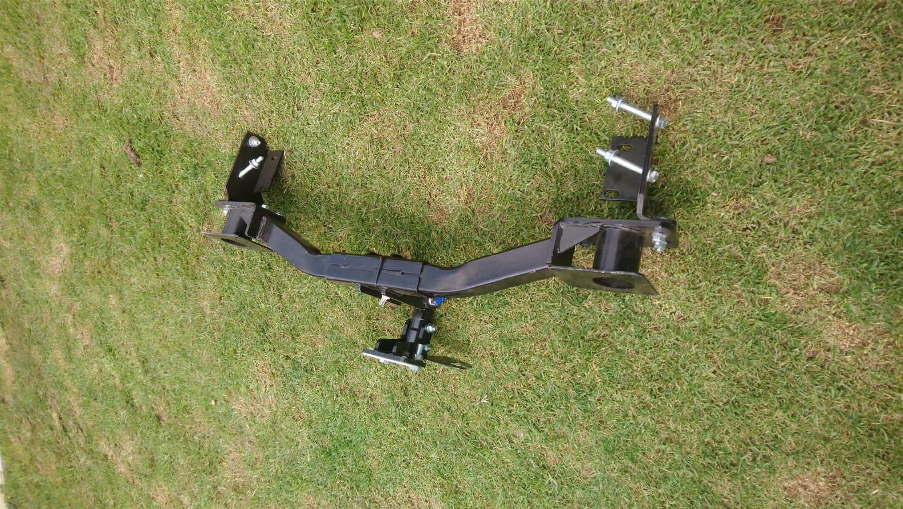 Brand new KIA Sorento detachable tow bar, includes mounting bolts.