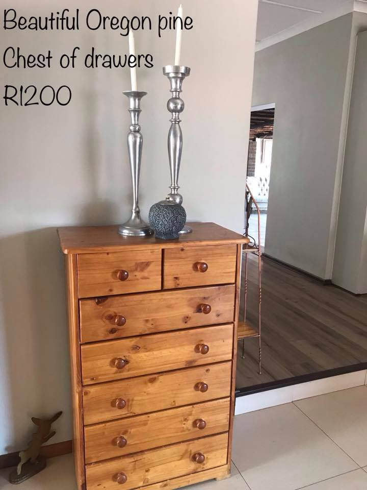 pretty nice 5e1a0 fe8c6 Oregon pine chest of drawers for sale