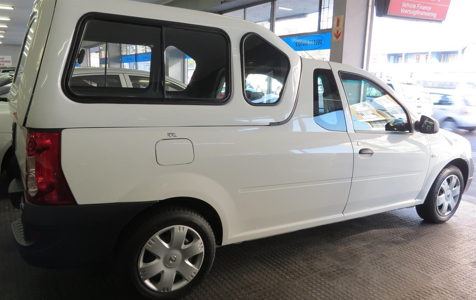 2017 Nissan NP200 1.6i (aircon)