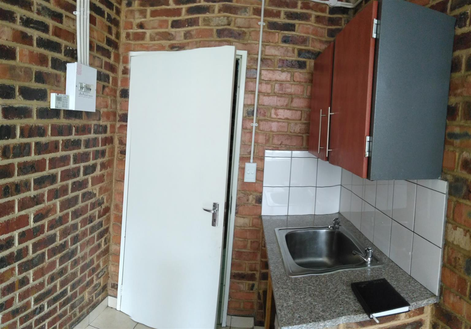 1 bedroom flats available for rent in Jo'burg City at Markwell house