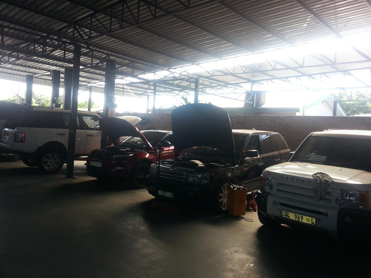 Land Rover Fully Equipped Workshop
