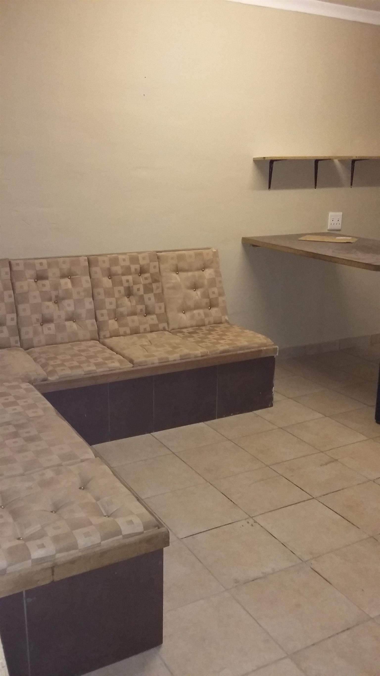 1 Bedroom flat - Donkerhoek Pretoria East   Junk Mail