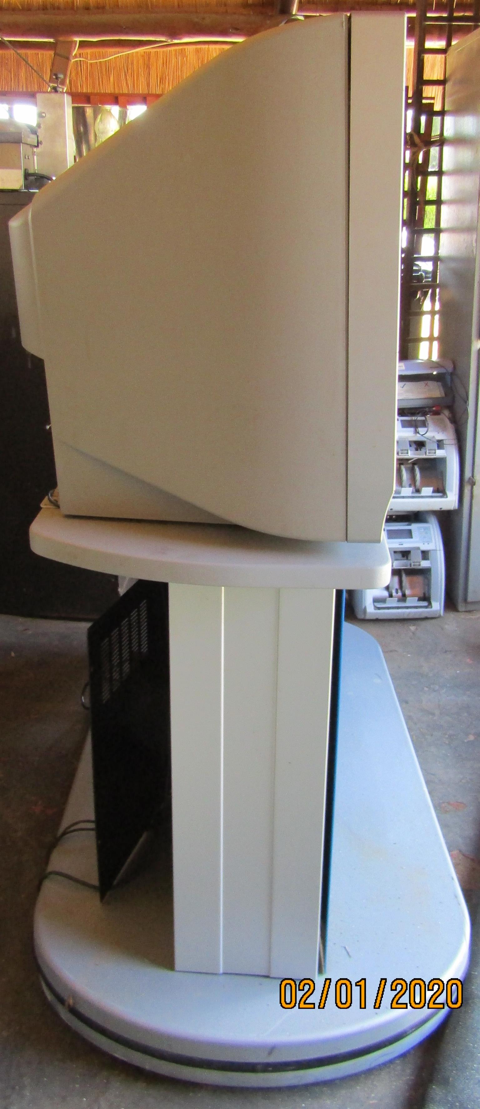 LOEWE Aventos 3772Z side-by-side CRT Monitors on Stand for Security or CCTV