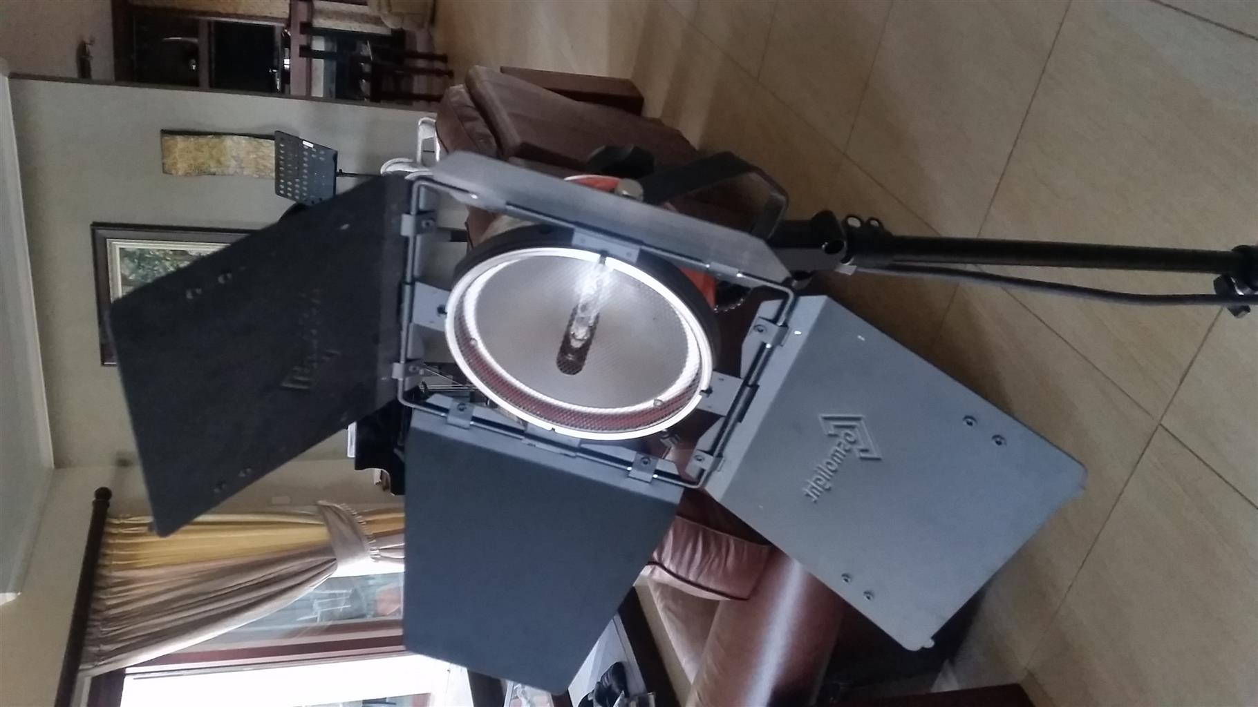 Cosmolight Cosmobeam Red-head Video-lighting kit