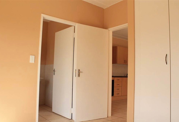 Apartment For Sale in Honeypark