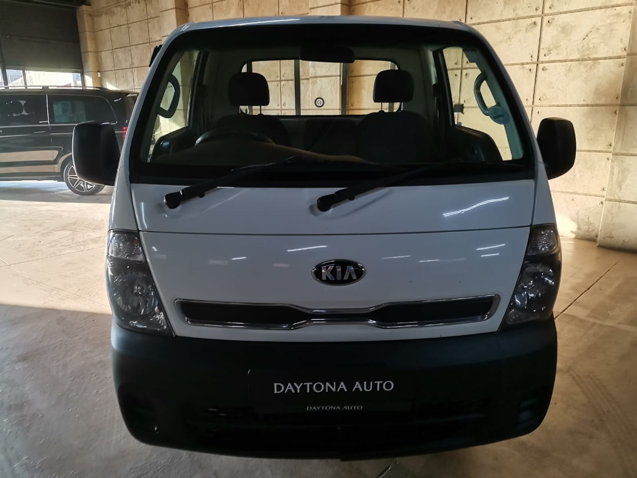 2013 Kia K2700- well kept and maintained!