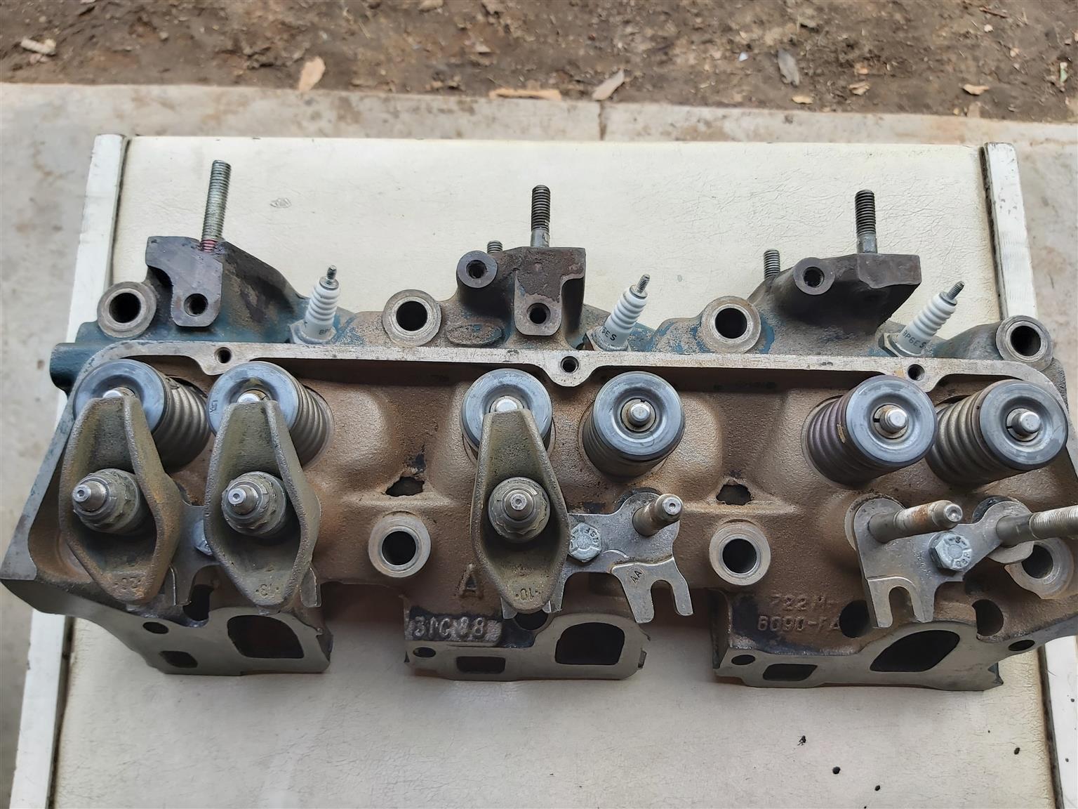 3.0 Ford V6 cylinderhead