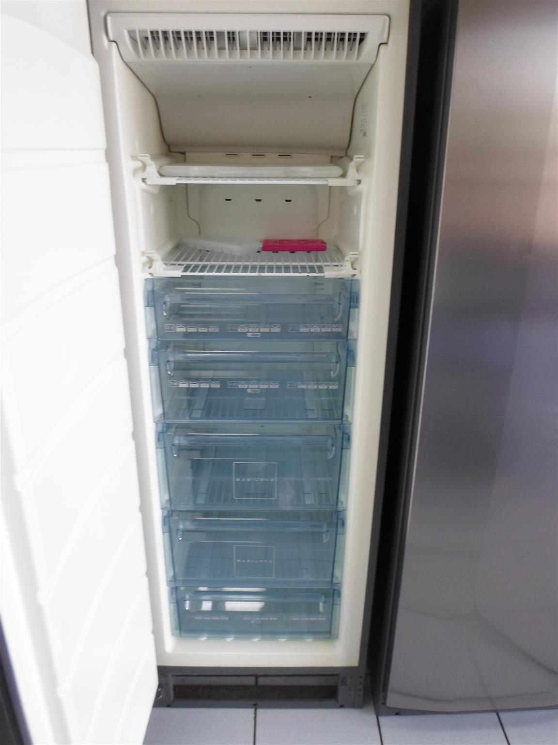 AEG Fridge & Freezer