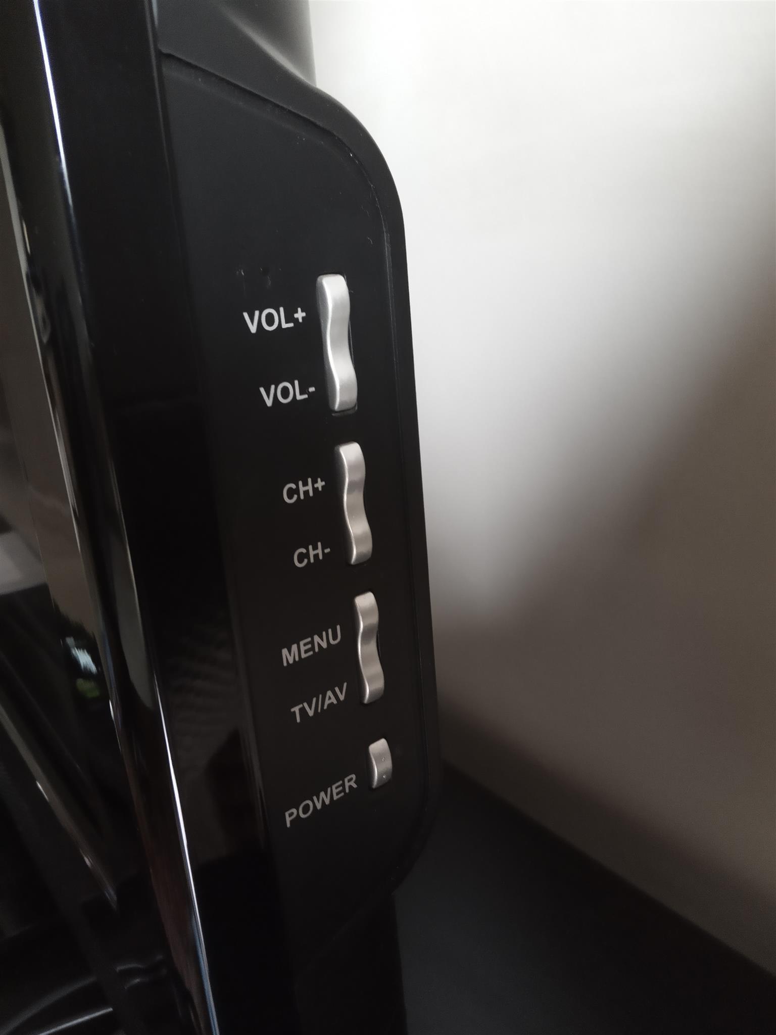 """94cm ( 37"""" ) Telefunken fullHD LCD TV for sale - like new!!!"""