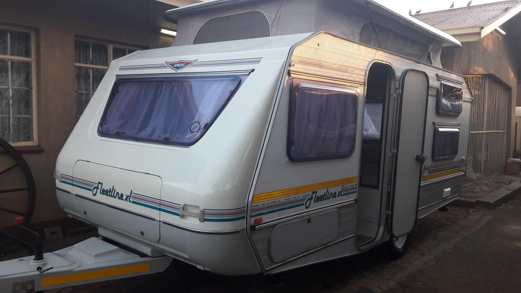 JURGENS FLEETLINE XL WITH FULL TENT AND RALLY TENT IN EXCELLENT CONDITION MUST BE SEEN