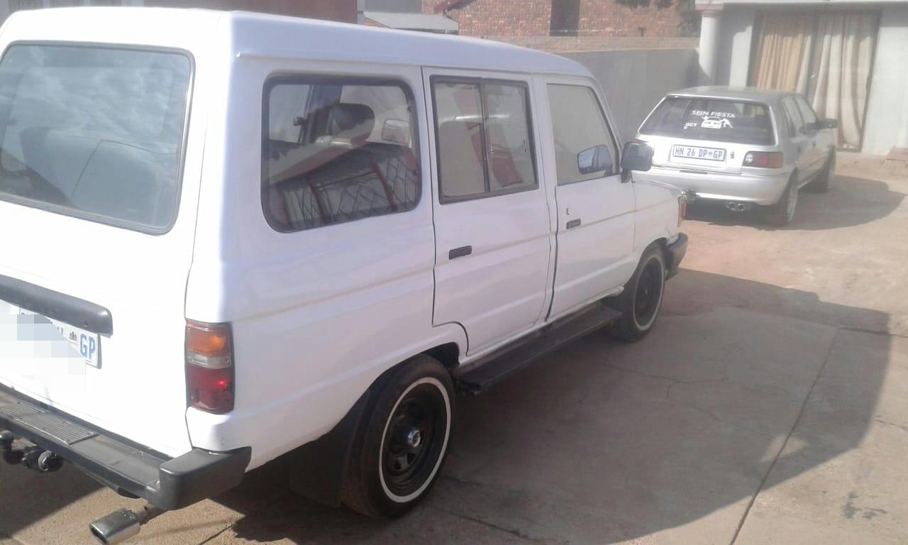 1990 Toyota Venture