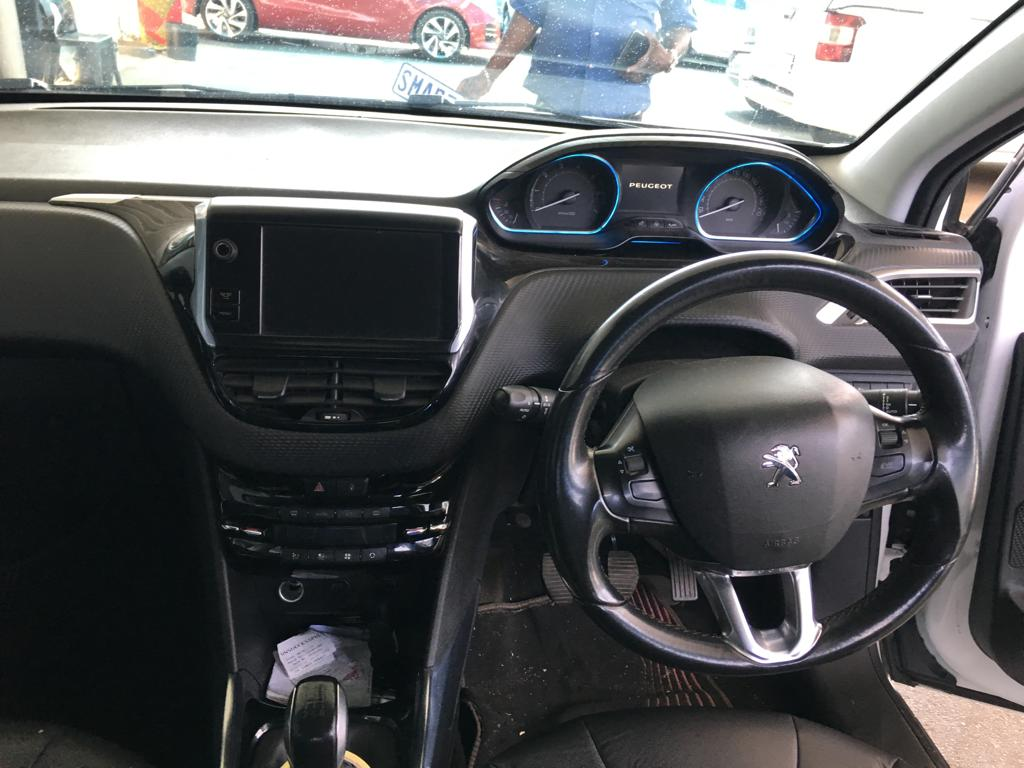 2014 Peugeot 208 5 door 1.2 Active