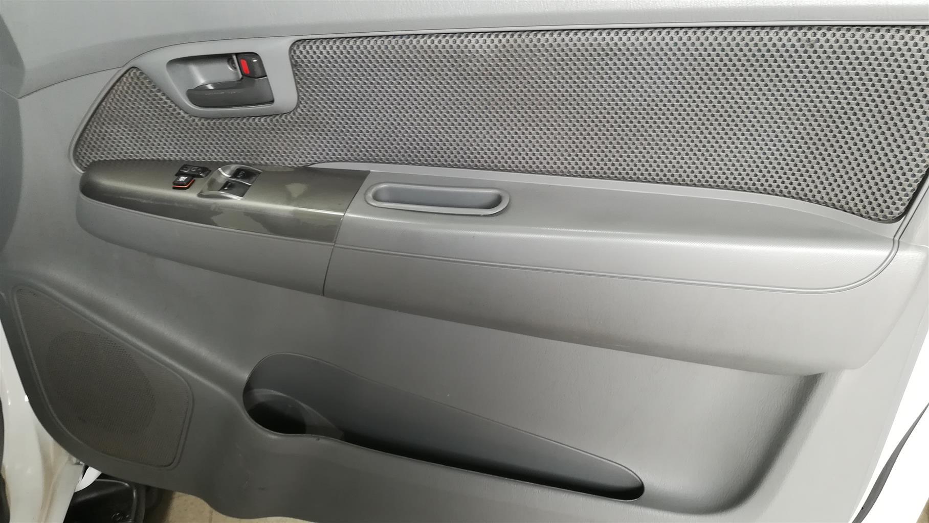 2012 Toyota Hilux 3.0D 4D Raider
