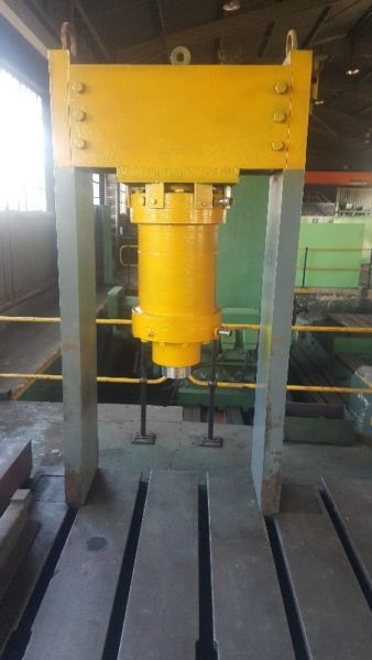 Hydraulic Press 200 Ton | Junk Mail
