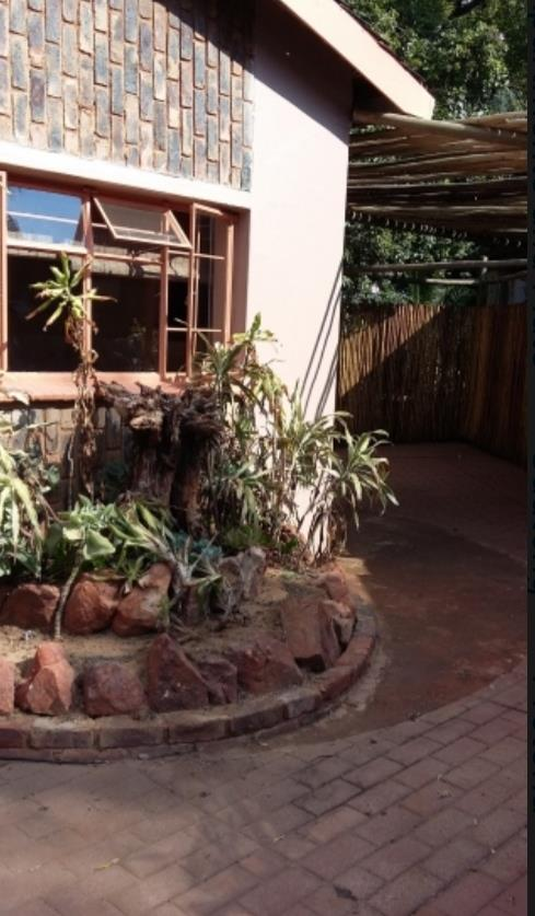 Garden Flat in Lynnwood Manor