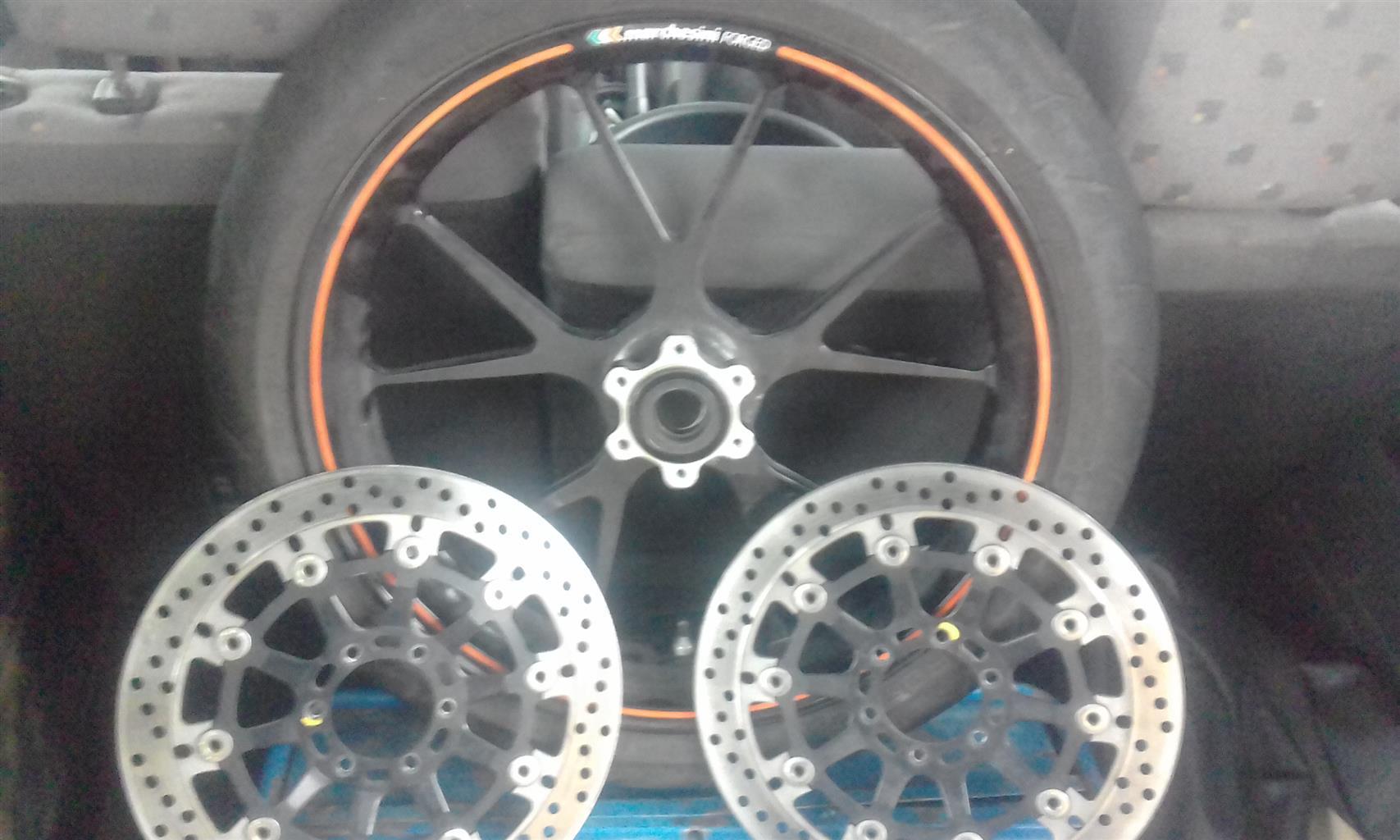 """Pirelli 17"""" Diablo Rosso Corsa tyre 4 sale"""
