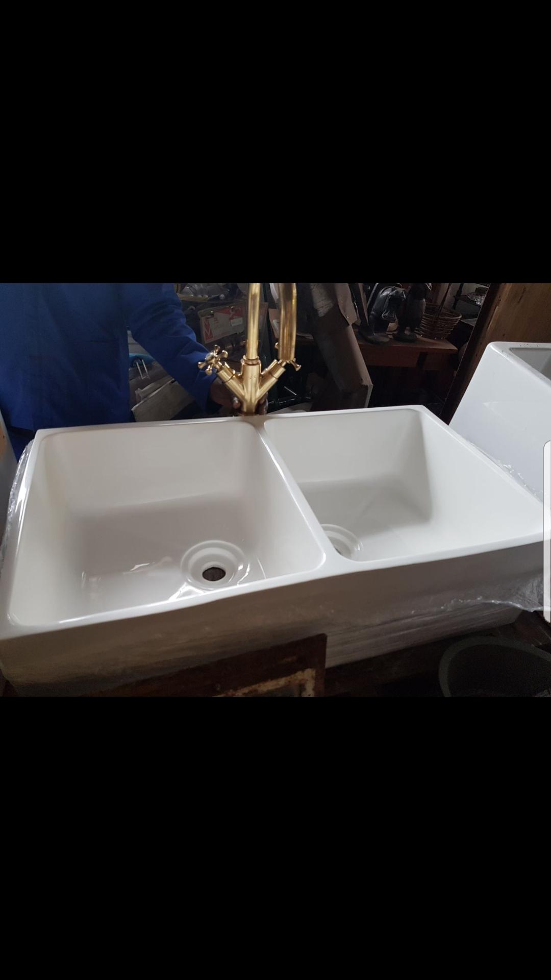Double butler / laboratory sink