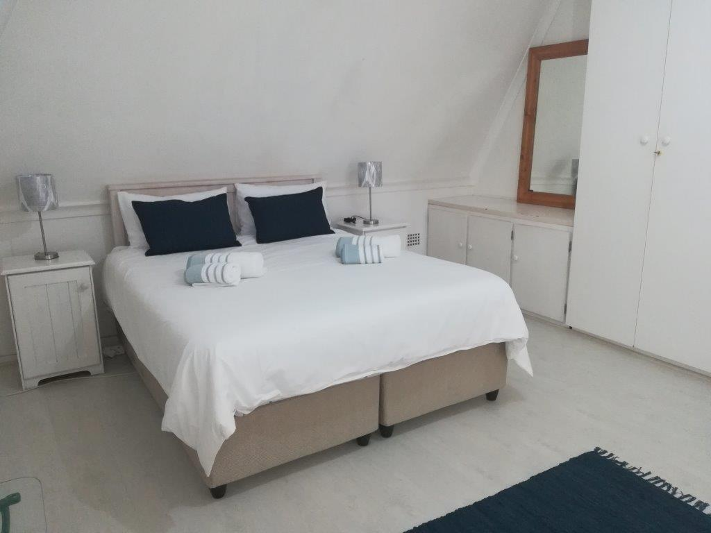 One Bedroom Apartment in Manor House - Sea Point
