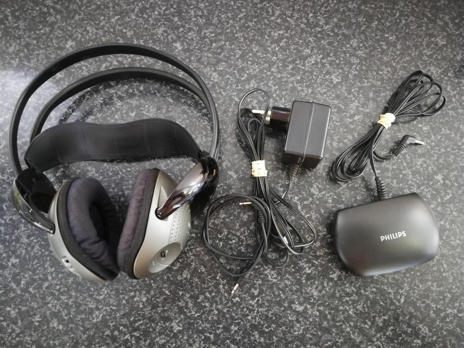Phillips Wireless Tv Over Ear Headphones