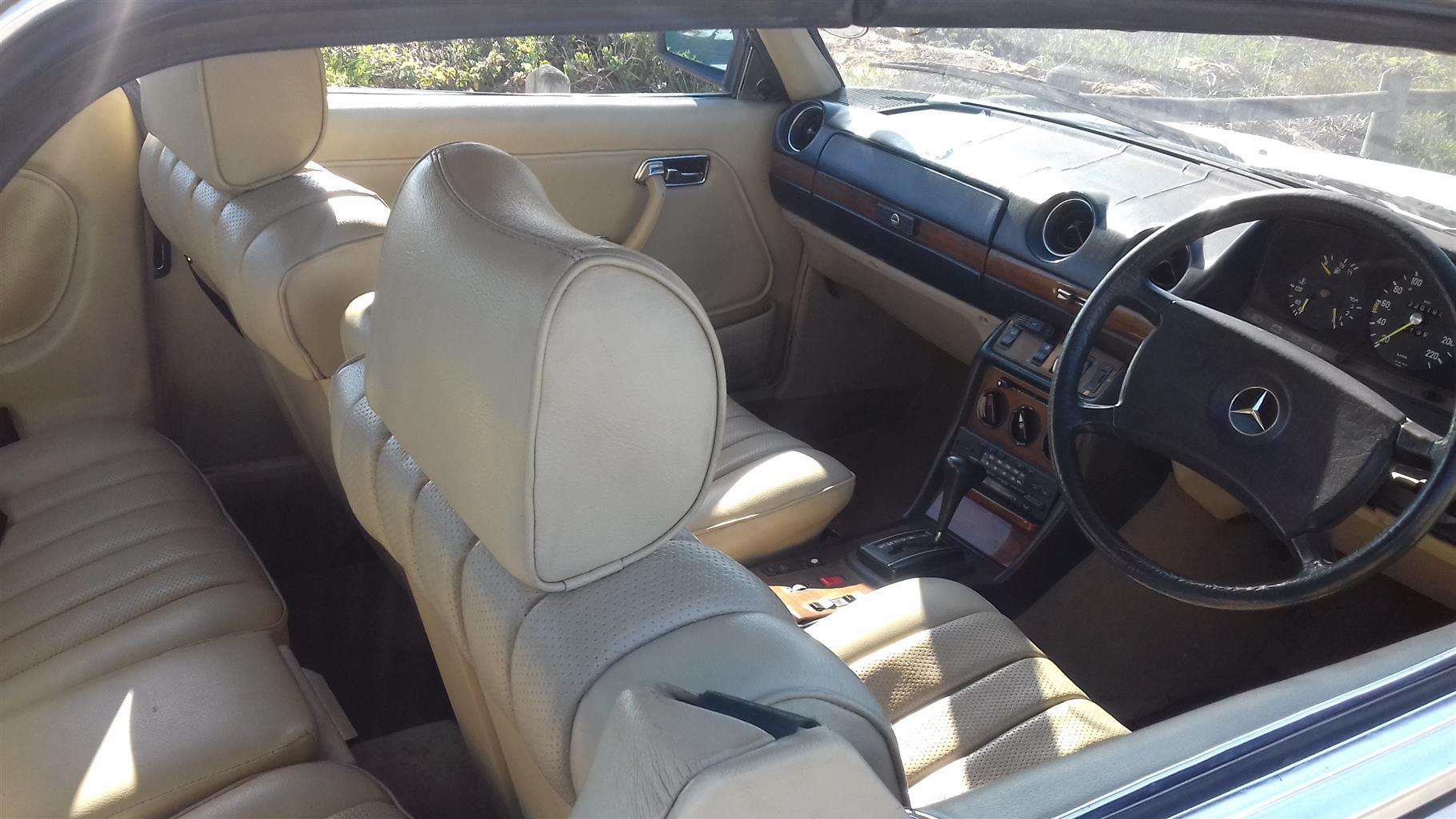 W123 Mercdes 230CE Coupe