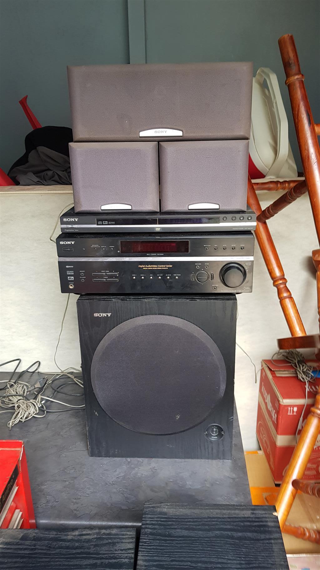 Sony home entertainment unit cd/DVD radio combination